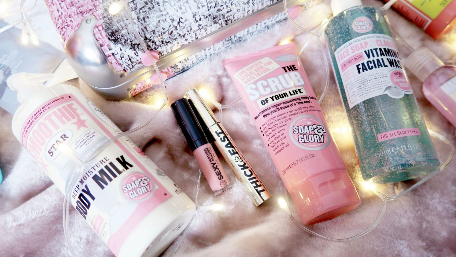 last minute christmas gift, soap and glory, christmas, pink present, skincare gift,